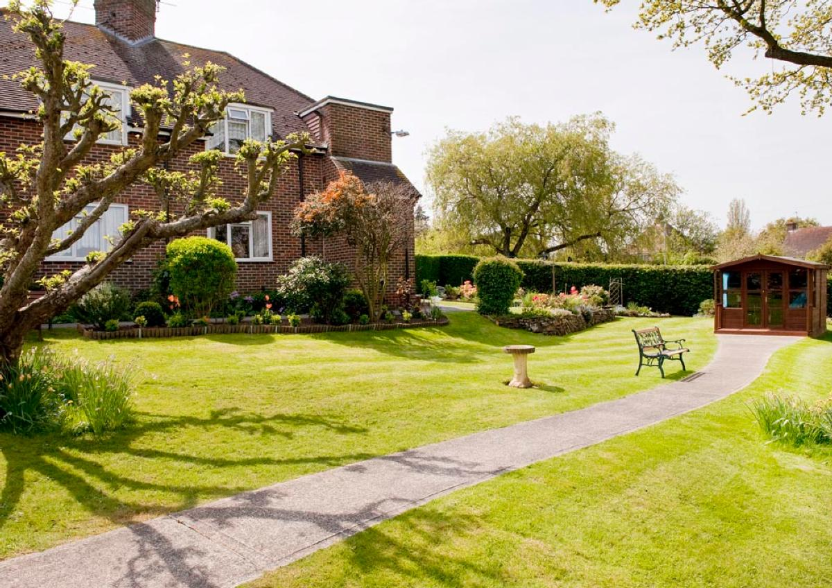 Old Park Close, Cuckfield - Sheltered housing to rent
